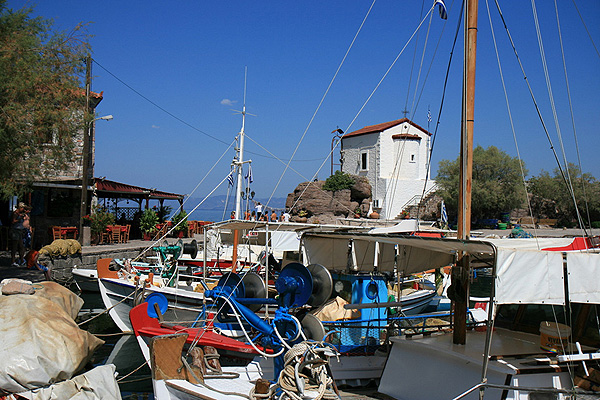 LESVOS HOTELS APARTMENTS WHERE TO GO 009