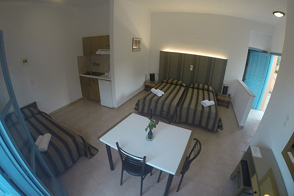 LESVOS HOTELS APARTMENTS FAMILY ROOM 002
